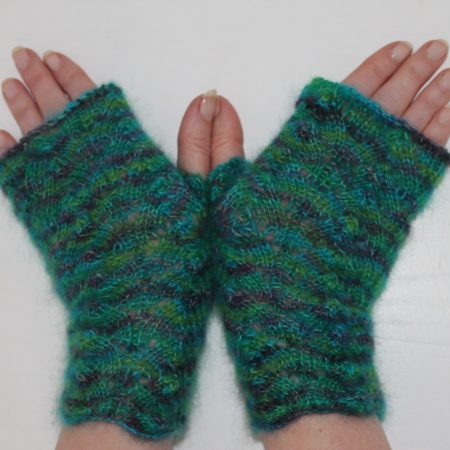 IMG 2710 450x450 - The Lace Knittery Lace Knit Fingerless Mitts PDF download