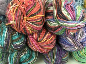AEDC75AE 2EE0 4BC8 BB7E 11E4C206711F 300x225 - Opal sock yarn