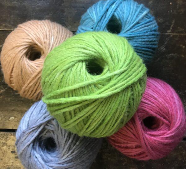 EF63D283 5224 4F24 9841 E6EF52CAE7BD 600x545 - The Lace Knittery Super Chunky Yarn