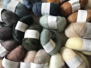 2AD0A9BE 5AD2 4B8C A210 36DA12F4F5A4 300x225 - Krea Deluxe silk mohair yarn